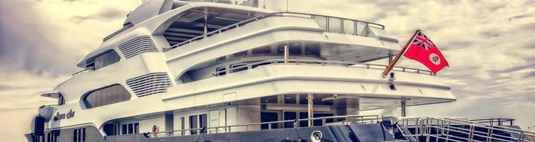 Kendte kommer sejlende i vores drømmebåde
