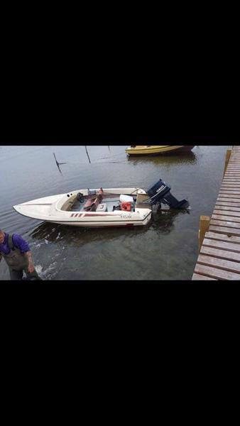 Hvad er det for en  båd ?