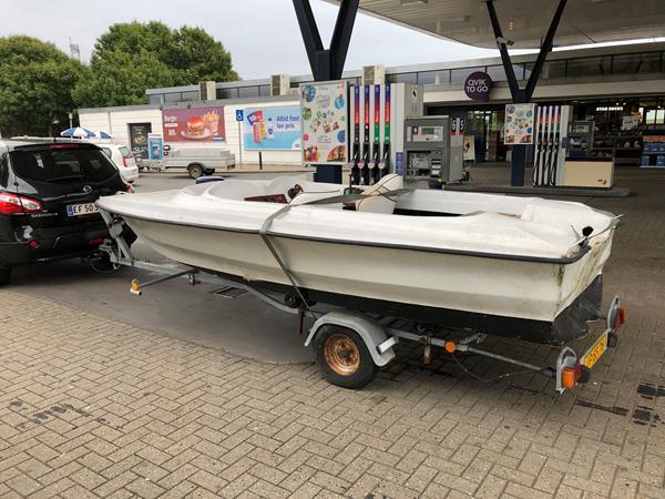 Nogen der kan identificere min speedbåd?
