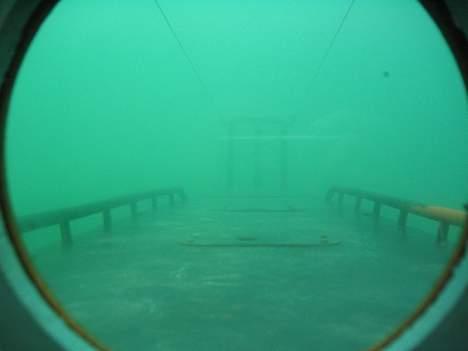 """X Ubåd af """"Kraka"""" klassen - Et neddykket kik ud over fordækket billede 6"""