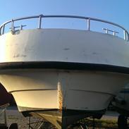 B ukendt motorbåd