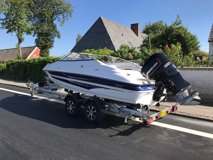 {{currentPhoto.altText}} billede {{currentPhoto.number}}