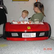 min sønd's Ferrari seng