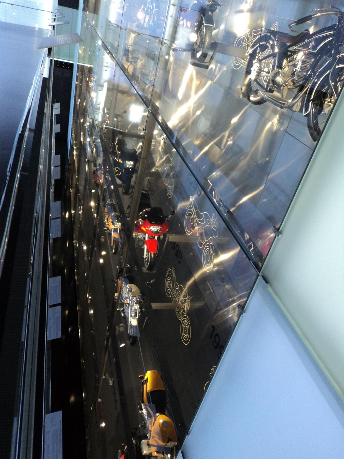 BMW Welt museum i München 2015 billede 72