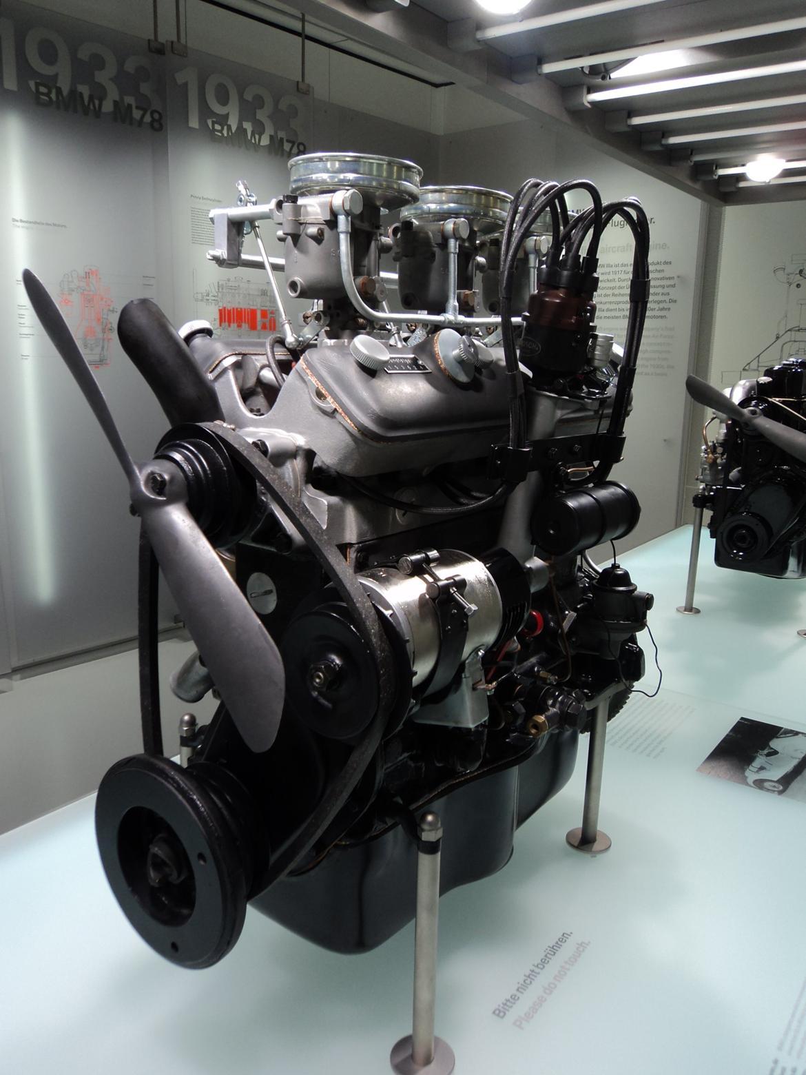 BMW Welt museum i München 2015 billede 229