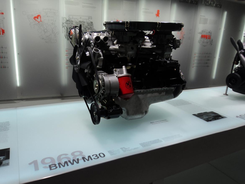 BMW Welt museum i München 2015 billede 230