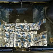 Honda Civic, Glasfiber sub-kabinet i hjulbrønd