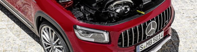 Mercedes GLB 35-AMG og Subaru Impreza 2020