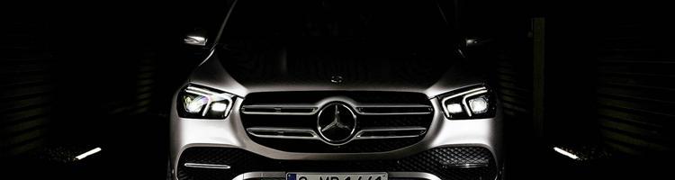 Mercedes GLE - E-klasse i SUV klæder og Renault Kadjar...