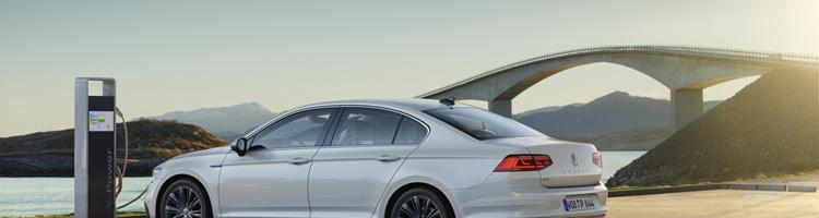 VW Passat 2020, Range Rover 550 Hk og C3 KINA