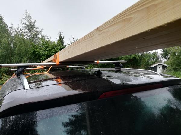 Træ på bil tag, korrekt måde?