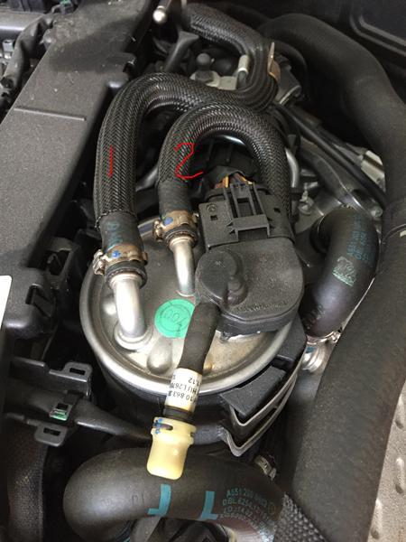 Skifte brændsstoffilter mercedes w204