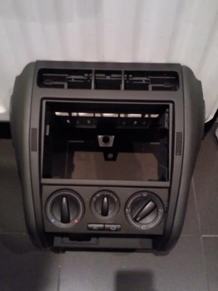 din2 radio ramme til seat leon 1m skrevet af kenneth a. Black Bedroom Furniture Sets. Home Design Ideas