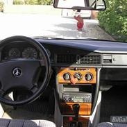 Mercedes Benz 190 D (solgt)