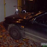Nissan sunny ( total skadet )