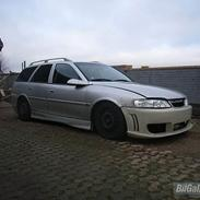 Opel vectra b sports wagon