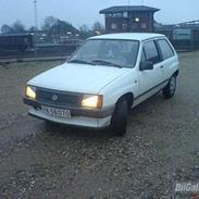 """Opel Corsa A 1.0 S """"Fars Dyt"""" (Død)"""