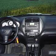 Toyota RAV4 2,0 D-4D, LUXUS