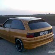 Opel Astra F  >SOLGT<