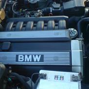 BMW 525i 24v SOLGT!