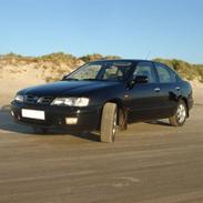 Nissan Primera SE (Solgt)