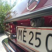 Mercedes Benz W123 240D  **1.150.000 km Ny tekst!