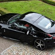 Nissan 350Z - Black Thunder