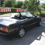 BMW               E30 320i Cab