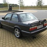 BMW e30 325i 24v