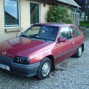 Opel kadett E (DØD)