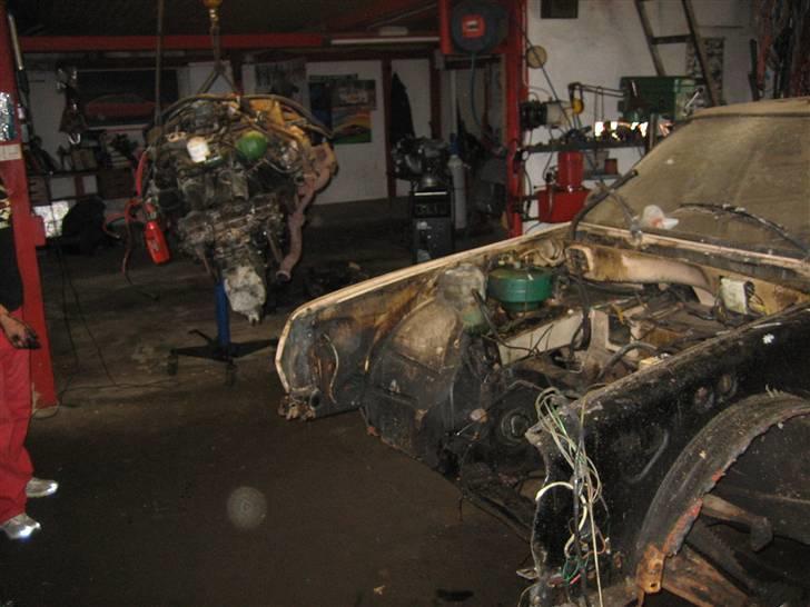 Citroën GSA Entreprise Spécial - Her pilles motoren samt gearkassen ud for renovering billede 16