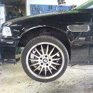 BMW 318i - Solgt