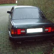 BMW E30 320I - SOLGT