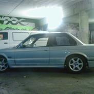 BMW 320i (S O L G T)