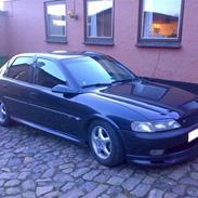 Opel Vectra b 2.5 V6
