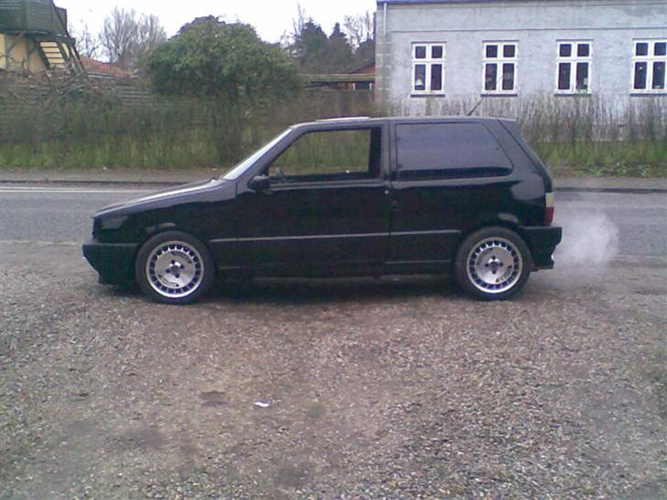 fiat uno turbo ie solgt 1989 en meget sjov lille. Black Bedroom Furniture Sets. Home Design Ideas
