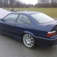 BMW 323I Coupe SOLGT