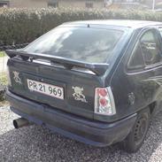 Opel kadett 1,6 (Skrottet)