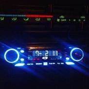Mazda 323 F *SOLGT*