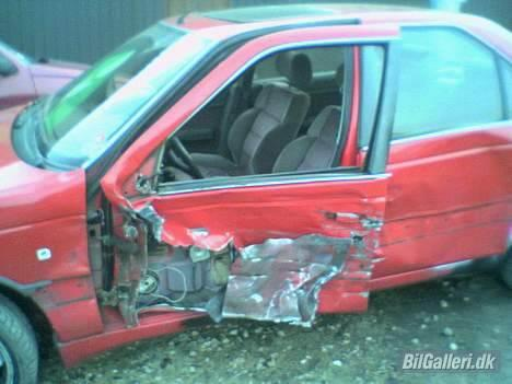 Peugeot 405 MI16 *RIP* - bedre billede af skaden billede 8