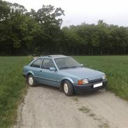 Ford Escort 1.4i supreme