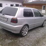 VW Golf 3      * * SOLGT * *
