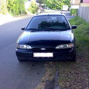 Ford mondeo 1,8 clx stc. solgt