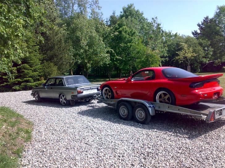 Volvo 252 R  - Skulle lige køre en Mazda RX7 hjem hehe billede 5