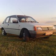 Peugeot 205 XR