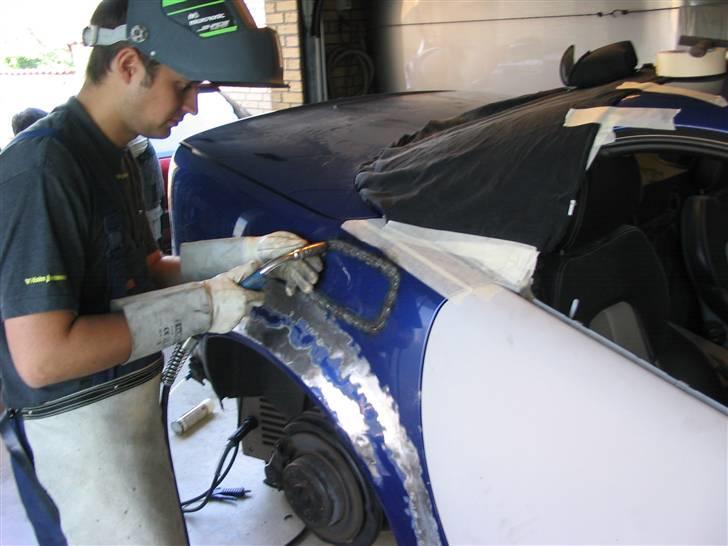 """Mercedes Benz SLK """"Custom""""  - Alt på karosseriet er lavet i fuldsvejst plade, og belagt med Tin på gammeldags manerer billede 13"""