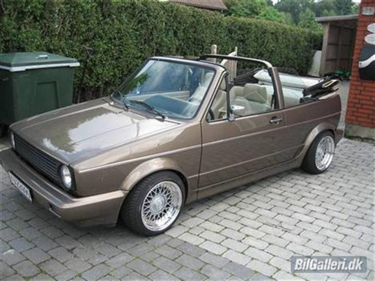 vw golf 1 cabriolet 1983 k bt af lars e her inde fra. Black Bedroom Furniture Sets. Home Design Ideas