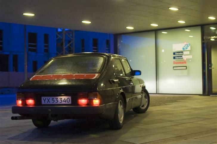 Saab 900 Aero - Sælges :/ - Rød plet :D Mindre detalje... Der har siddet en spoiler, og der skulle gerne komme en ny igen ;) billede 10