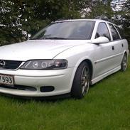Opel vectra  (DØD)