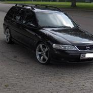 Opel vectra 2,0 16v